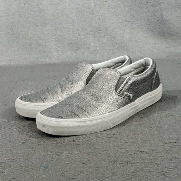 80725c4cc4 M 5c633251f63eeaf2b01686db. Other Shoes you may like. Vans unisex Og Classic  ...